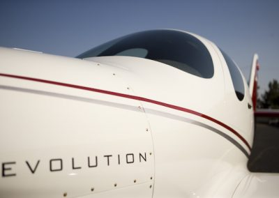 lancair-evolution-n927le-close-cowl