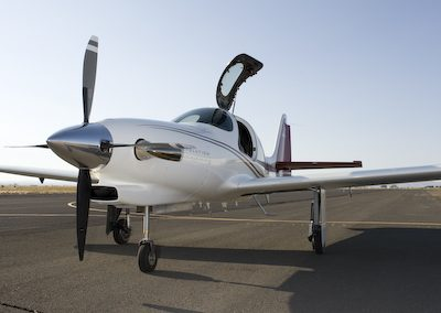 lancair-evolution-n927le-ramp-3
